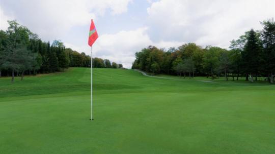 Club-de-golf-Lac-Etchemin-Photos-vidéos-drapeau